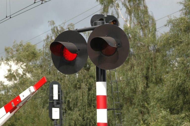 Muore travolta da treno nel siracusano: indagato il suo compagno
