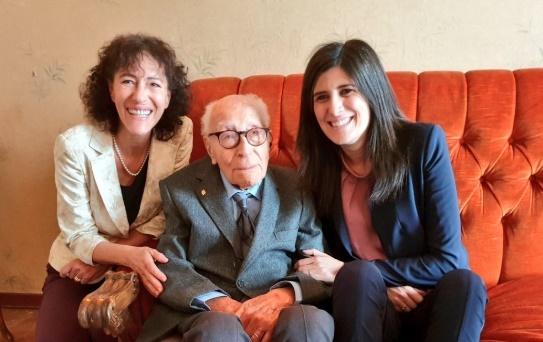 Il più longevo d'Italia ha 110 anni: si chiama Salvatore Cavallo, è siciliano e vive a Torino