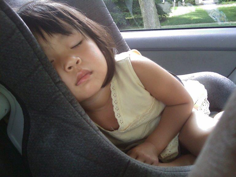 Amnesia dissociativa: cosa succede quando si dimentica il proprio figlio in auto