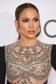Coach sceglie Jennifer Lopez per la campagna 2020