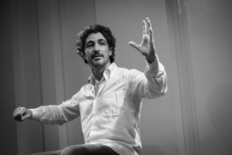 Teatro, Francesco Foti porta  'Niuiòrc Niuiòrc' al Clan degli Attori