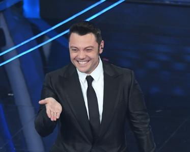Festival di Sanremo, tutti i migliori (e i peggiori) look visti sul palco [GALLERY]