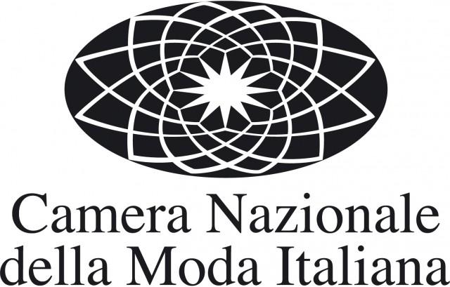 La Camera Nazionale della Moda scende in campo per l'Italia