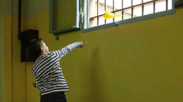 #CoronaVirus, un Telefono Giallo per mantenere le relazioni tra i detenuti e i loro figli