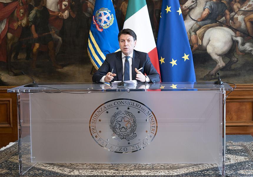 """Coronavirus: Fase 2, Conte: """"Se ami l'Italia mantieni le distanze"""". Piano Colao dal 4 Maggio"""