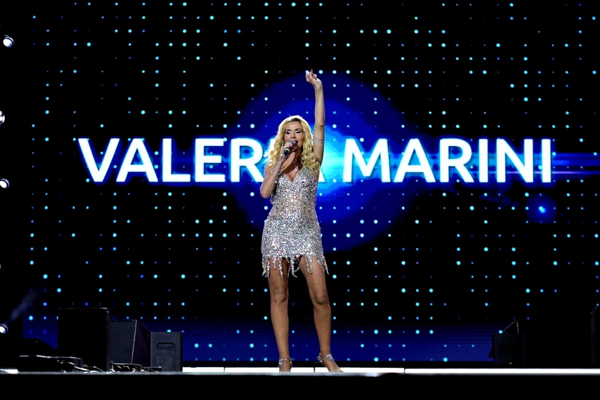 """""""Boom"""": il singolo estivo di Valeria Marini con un messaggio importante per le donne"""