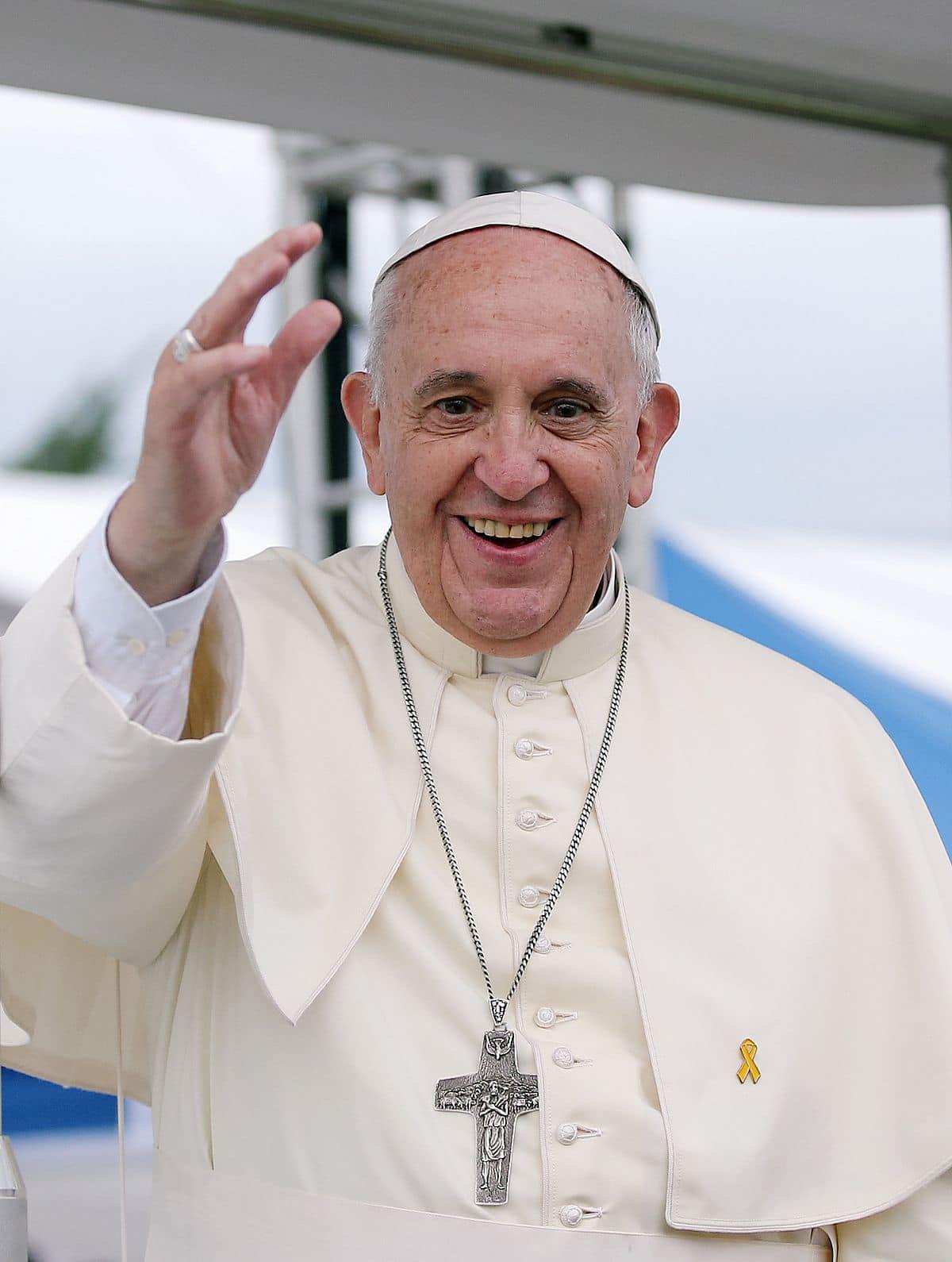 """In """"preghiera per la pace"""" con Papa Francesco: appuntamento in diretta su RaiUno"""