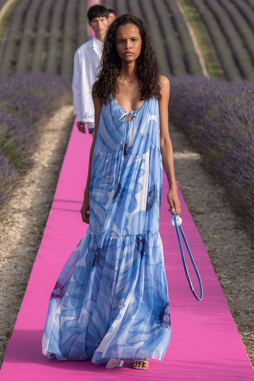 TREND ESTATE 2020 – STRAPLESS DRESS