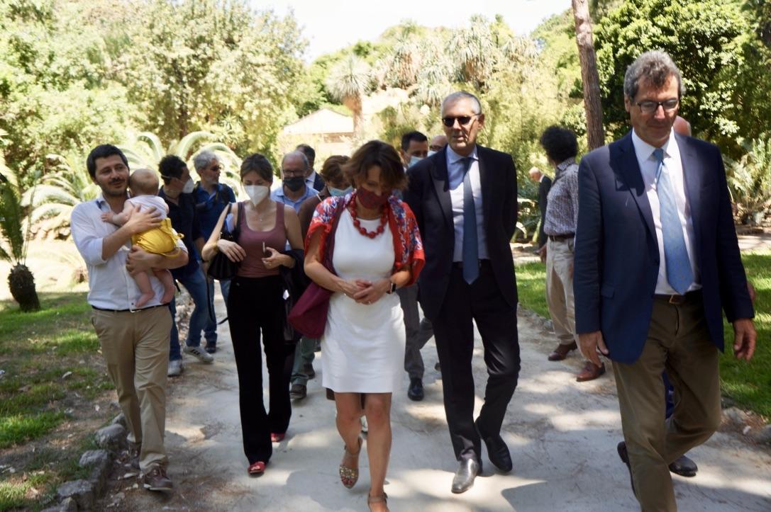 Il ministro alla Famiglia Elena Bonetti in visita all'Orto Botanico di Palermo.    Il primo in Italia a misura di bambino