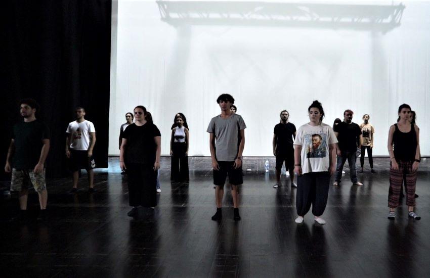 """""""Juliet ≡ Romeo"""", lo spettacolo con cui si riapre il sipario del Teatro Mandanici di Barcellona Pozzo di Gotto"""
