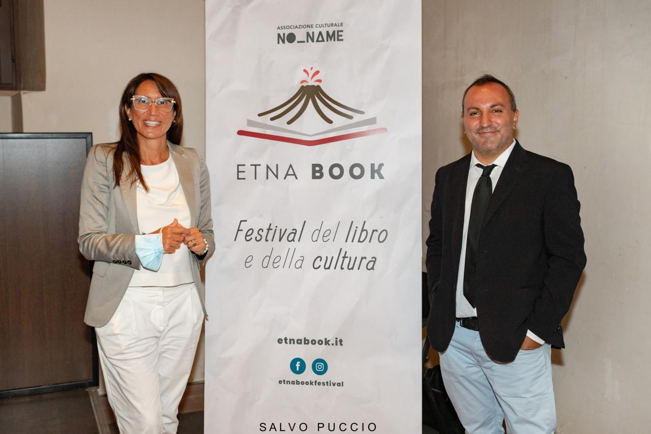 """Etnabook 2020: il programma completo, gli ospiti e i finalisti del Premio Letterario """"Cultura sotto il Vulcano"""""""