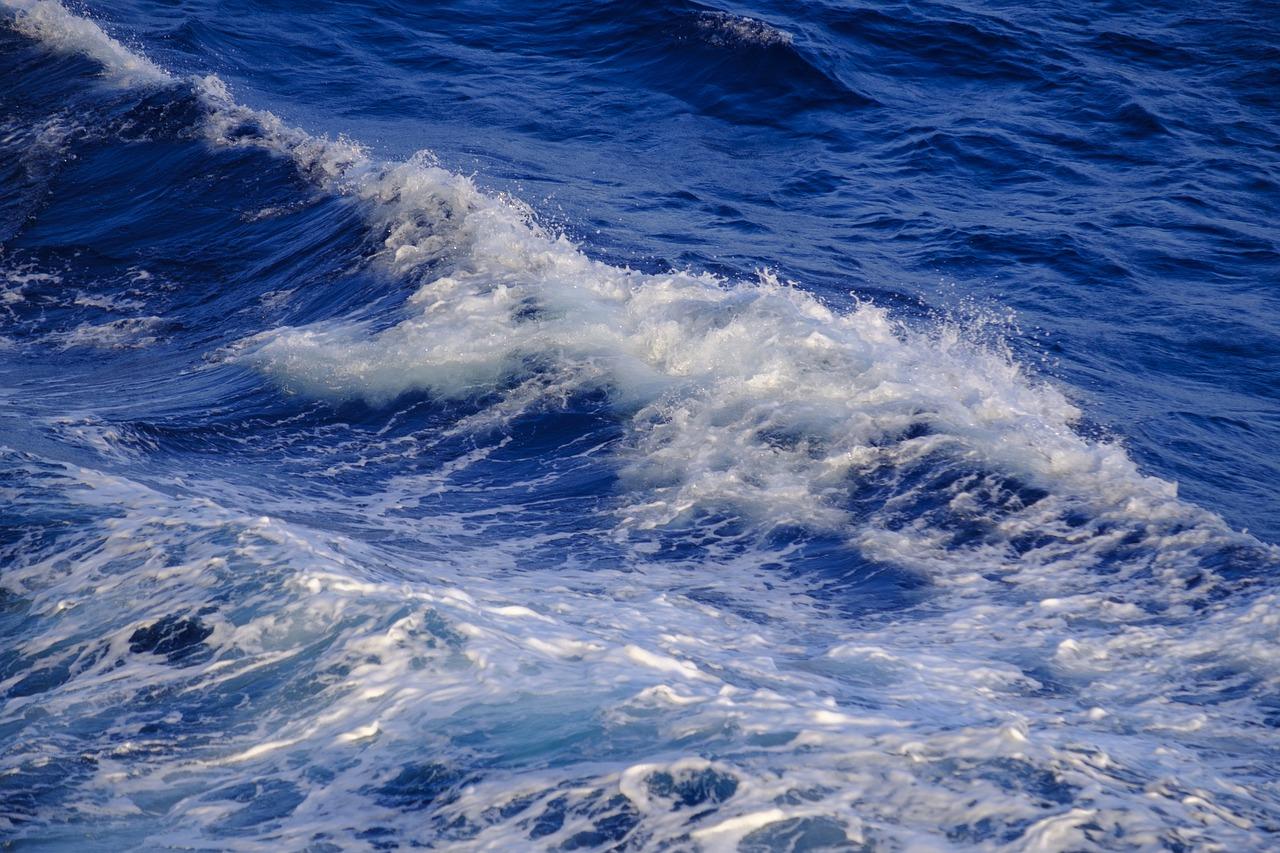 Quando ero piccola mia madre mi diceva di stare attenta al mare – Il LunEdìtoriale