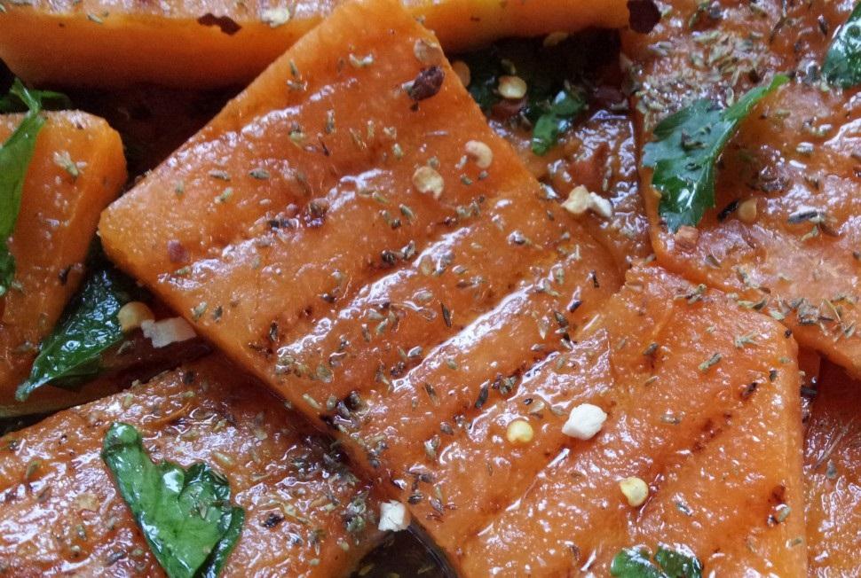Zucca grigliata o arrostita: una ricetta autunnale leggera e semplice da preparare