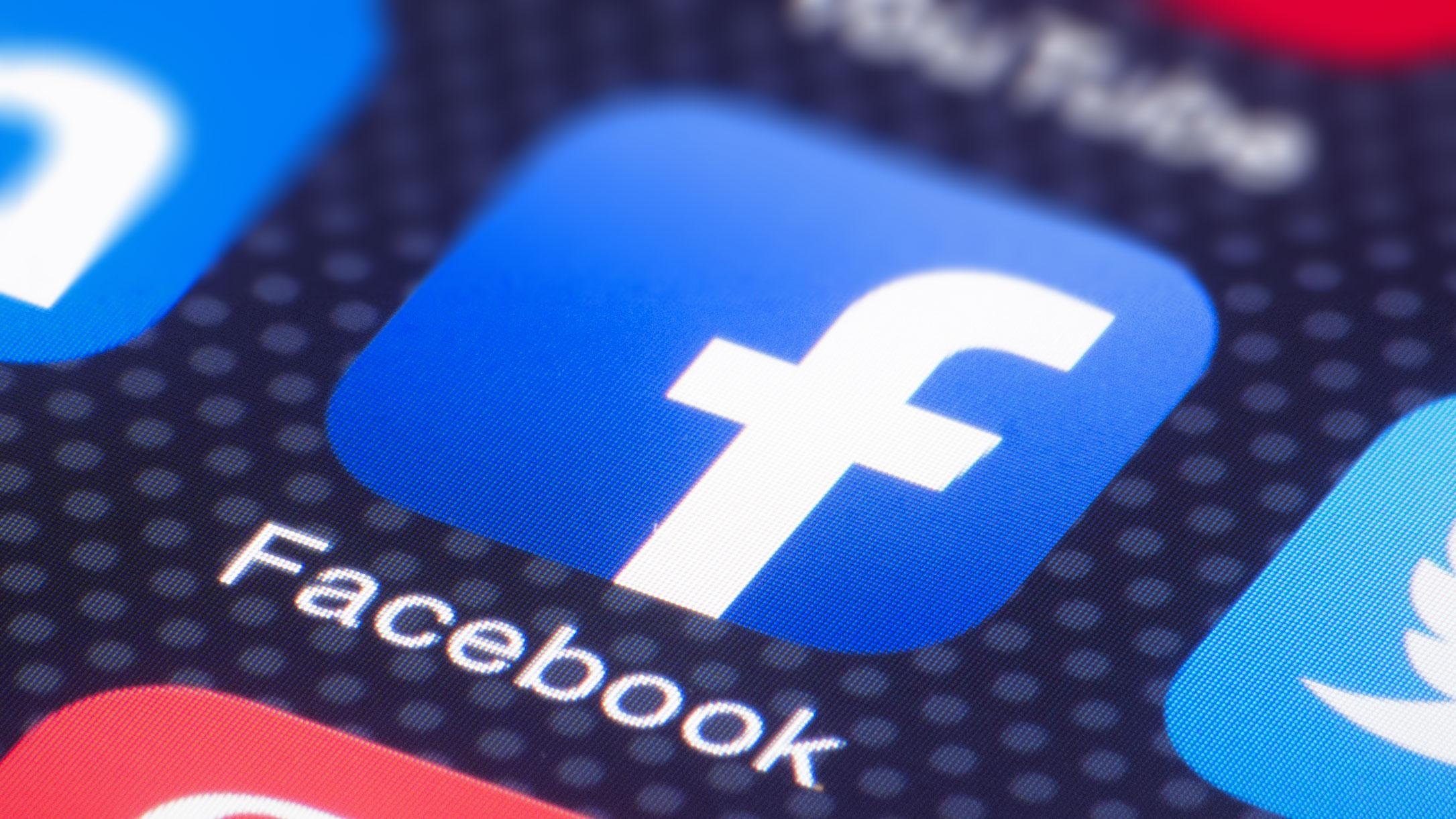 """Facebook elimina i """"mi piace"""". Cosa cambia per pagine e seguaci"""