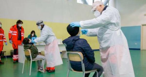 Sicilia, screening a campione sugli studenti e test mensili sul personale scolastico