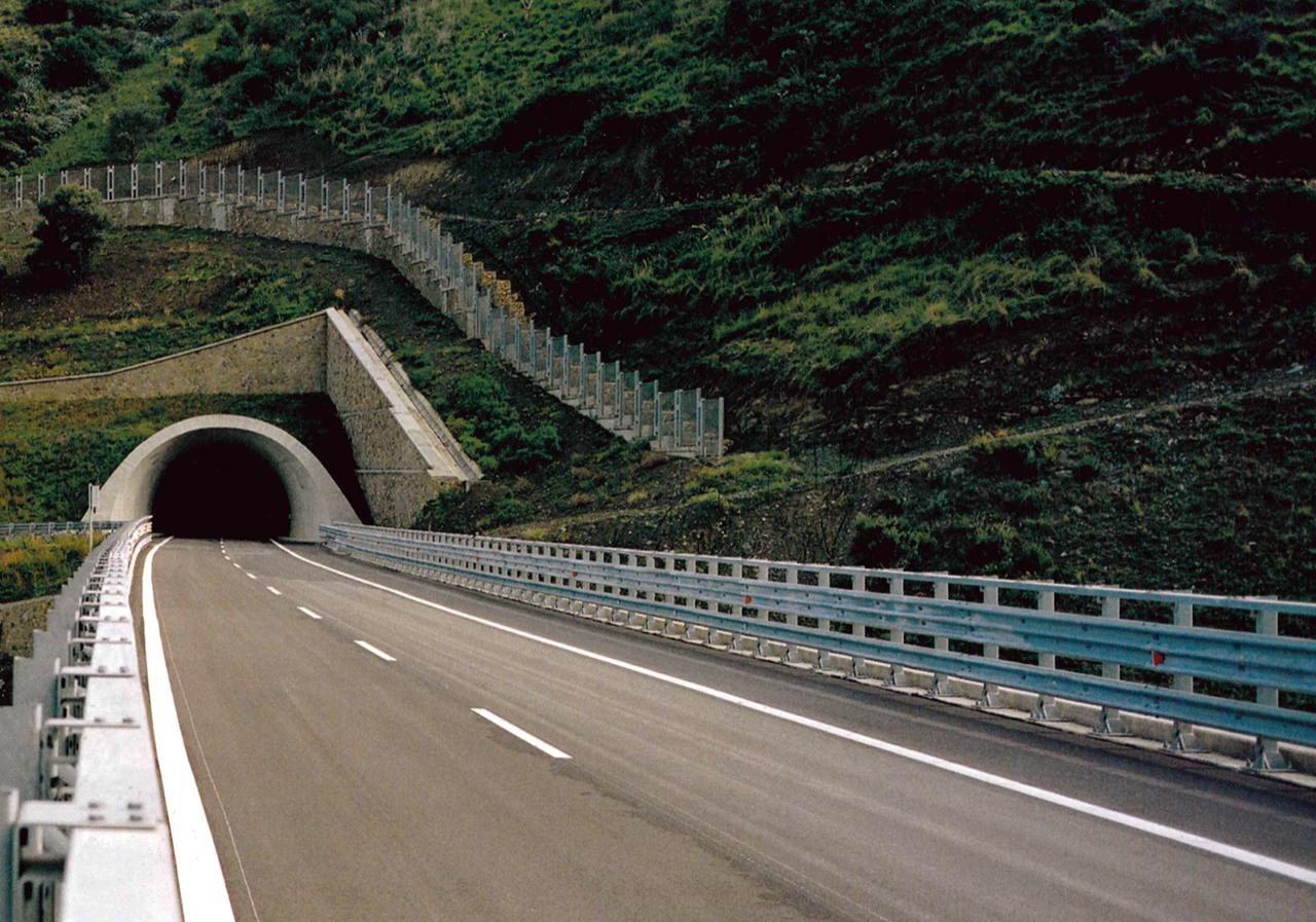 Sicurezza su autostrada A20: al via l'installazione di telecamere in galleria