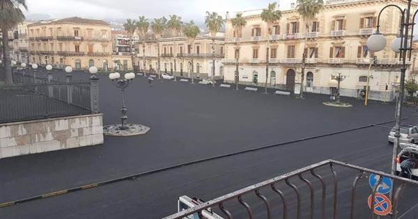 Sicilia: cenere dell'etna: deliberato lo stato di crisi per 43 comuni