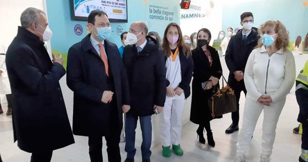 Sicilia, inaugurato a Messina il quarto hub per i vaccini anticovid