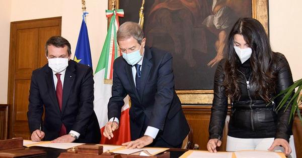 Sicilia: vaccini in aziende, c'è l'intesa tra Regione, Confindustria e Confapi