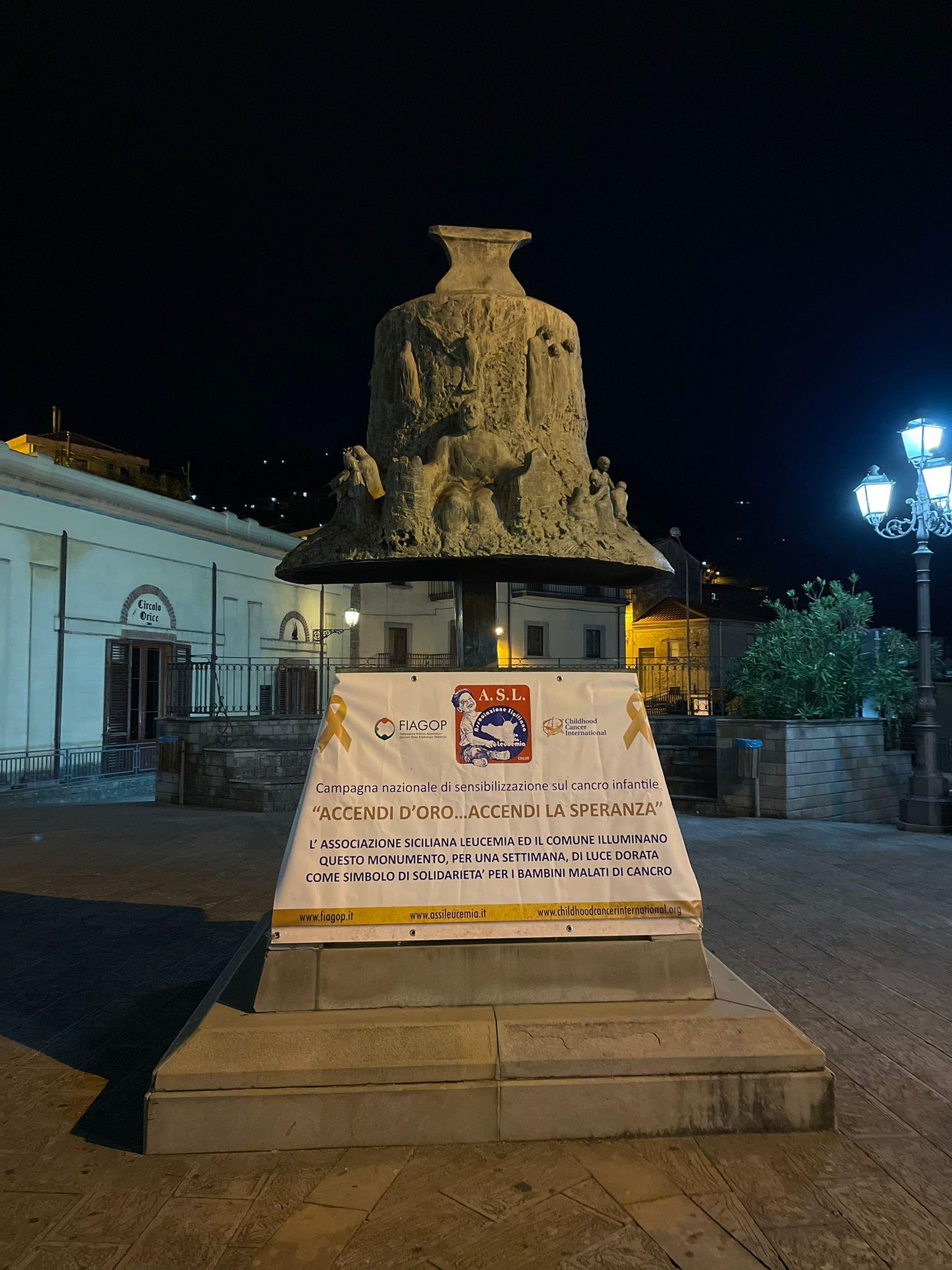 La Campana di Piazza Timpanaro si accende d'oro: anche Tortorici partecipa alla campagna a sostegno dell'oncoematologia pediatrica
